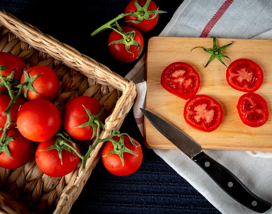 """西红柿的最佳""""伴侣""""竟然不是鸡蛋而是它?护血管、降血压,好处太多了!"""